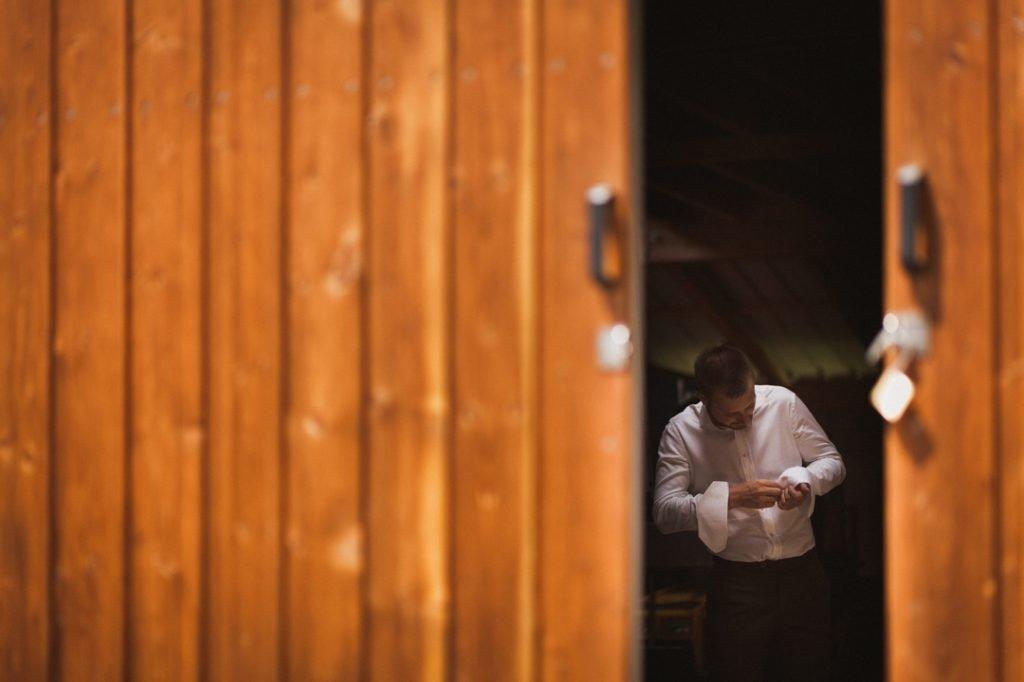 Préparatifs du mariés, mariage champêtre en Alsace